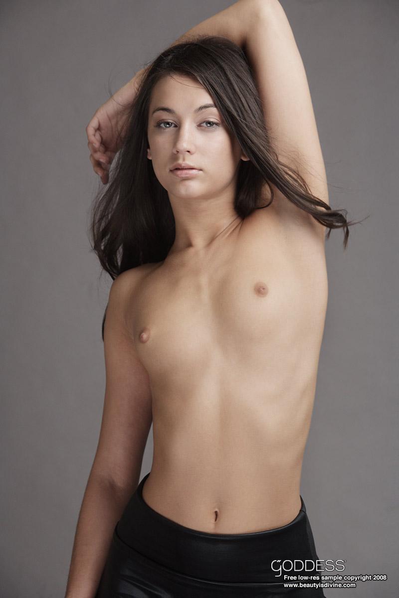 Joung girls nackt nude schule