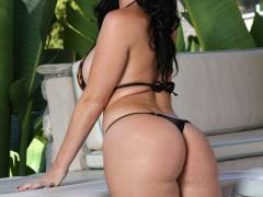 bikini_riot_338_002