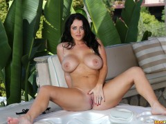 bikini_riot_338_010