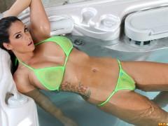 bikini_riot_343_004
