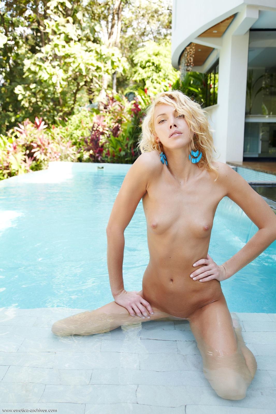 the girl next door naked scenes