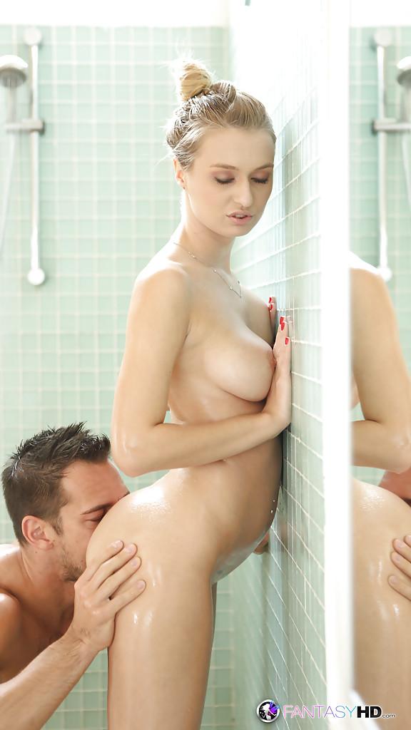 Sex oralny prysznic
