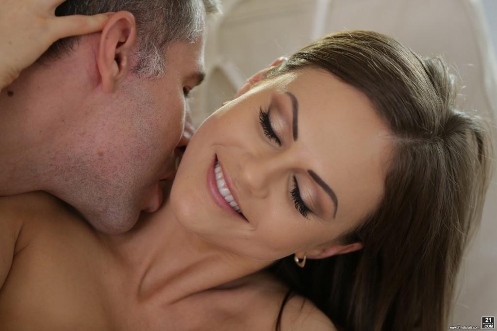 278232 16big1 1024x683 - Pięknej dupeczce podoba się seks