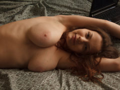 12 25 240x180 - Naturalna nastolatka