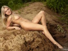 03 34 240x180 - Blondi na piasku