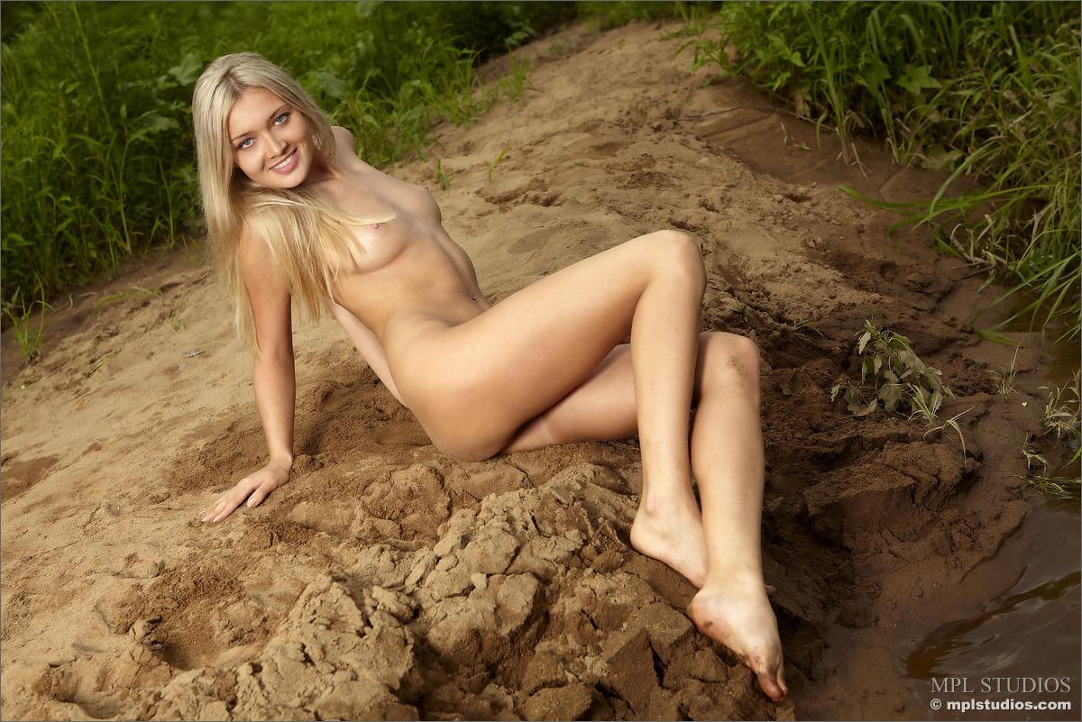 07 69 - Blondi na piasku