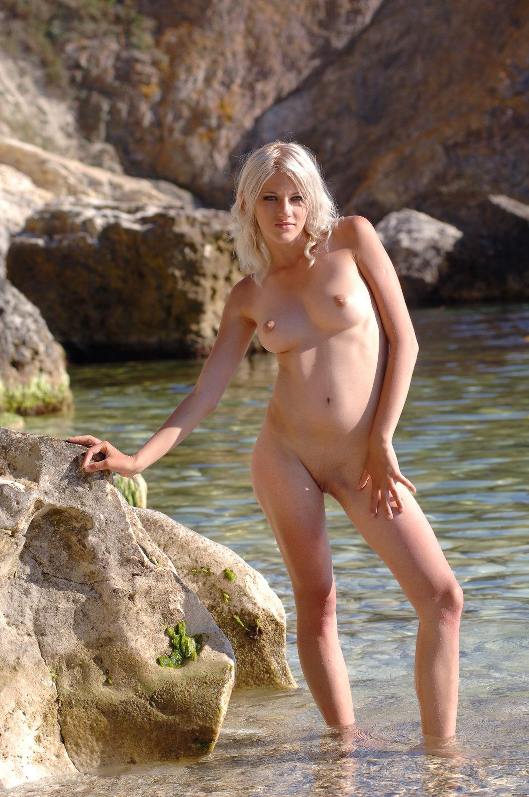 12 18 - Super blondi nad oceanem